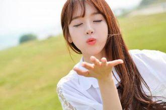 Màu tóc nhuộm đẹp cho nàng xinh xắn như sao Hàn Quốc thời trang