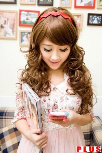 Những kiểu tóc xoăn lọn to Hàn Quốc đầy quyến rũ hè tươi mát