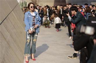 """Phong cách thời trang Denim, xu hướng sẽ khiến con gái """"đứng ngồi không yên"""""""
