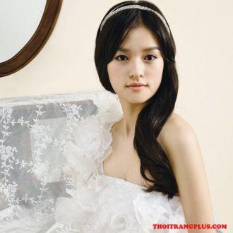 Tóc cô dâu đơn giản cá tính trong ngày cưới lộng lẫy