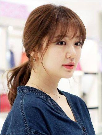 Tóc nhuộm màu nâu hạt dẻ dịu dàng xinh xắn sao kpop Hàn Quốc