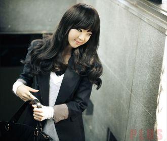 Tóc xoăn dài đẹp phong cách Hàn Quốc cho nàng sành điệu