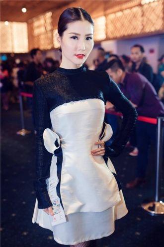 Diễm My, Huyền My so kè váy áo: ai nổi bật hơn?