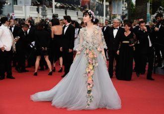 """Mĩ nhân Thái Lan """"soán ngôi"""" Phạm Băng Băng trên thảm đỏ Cannes ?"""