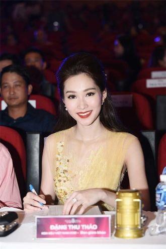 Thu Thảo lộng lẫy đi tìm chủ nhân mới cho vương miện Hoa hậu Việt Nam