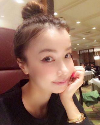 Nữ ca sĩ Nhật 45 tuổi nhìn như 25 tuổi