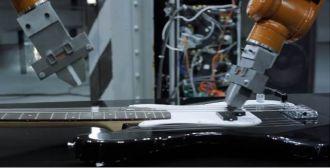 Chơi bằng những cánh tay robot công nghiệp