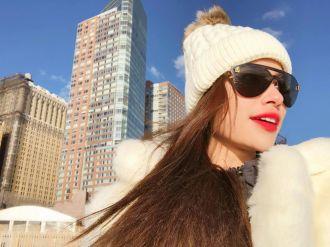 Hoa hậu Hoàn vũ đang đến gần, Phạm Hương vẫn ung dung khoe street style tại Mỹ