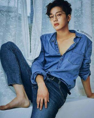 Gu thời trang đáng học hỏi của Lai Guan Lin (Wanna One)