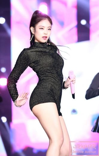 Jennie (Black Pink) gây 'sốt' vì khoe body hoàn hảo