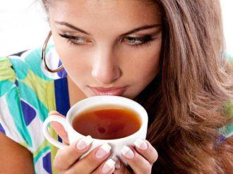 Lý do tuyệt đối không uống trà khi đói