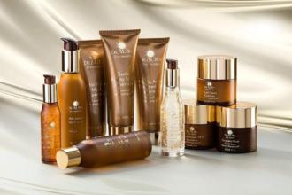 Chăm sóc da với trọn bộ mỹ phẩm Deaura với công thức riêng