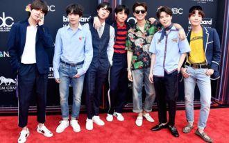 """Cùng""""bóc giá"""" loạt trang phục của BTS trên thảm đỏ Billboard Music Awards 2018"""