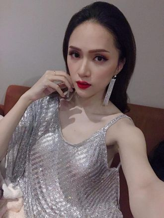 Hương Giang là người đẹp mê đồ lấp lánh nhất Vbiz