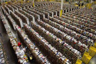 Người giàu nhất thế giới Jeff Bezos bị yêu cầu... phế truất tại cuộc họp cổ đông Amazon