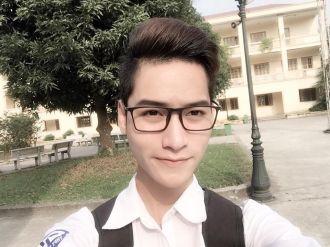 Chàng nam sinh 10x Hà Thành gây chú ý MXH