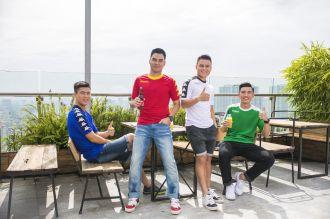 U23 cổ vũ bóng đá bằng BST áo của Kappa độc đáo
