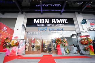 BST suit được Mon Amie ra mắt dịp khai trương showroom