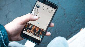 Cách để xóa những dấu Like lỡ tay trên Instagram?
