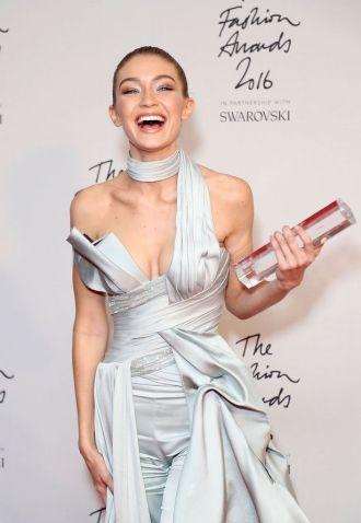 Gigi Hadid đoạt giải người mẫu xuất sắc nhất