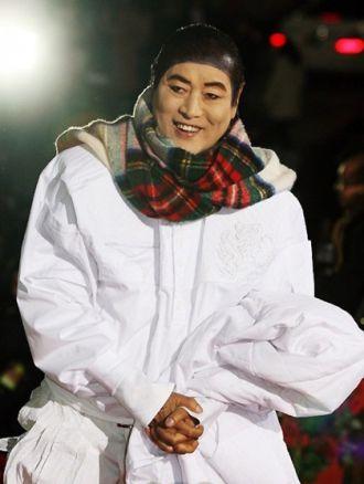 Áo cưới của huyền thoại làng mốt xứ Hàn