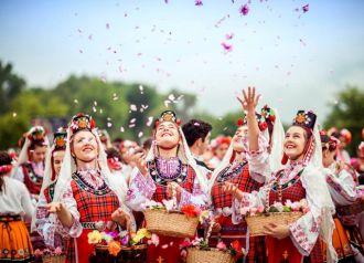 Bạn đã đến Bulgaria và thung lũng hoa hồng thơ mộng?