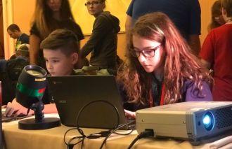 Cậu bé 11 tuổi Hack kết quả bầu cử Mỹ trong 10 phút!