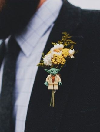 Hướng dẫn chọn kiểu hoa cài áo cho chú rể