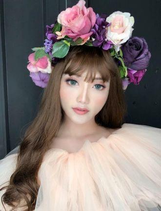 Nam sinh Đại học Văn hóa Hà Nội hóa trang nóng bỏng như hot girl