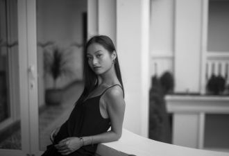 Vẻ đẹp quyến rũ của con gái đạo diễn Trần Anh Hùng