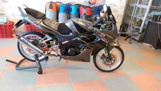 Honda CBR 150 đời cũ phiên bản độ kiểng chơi tết cực đẹp của biker Sài Gòn