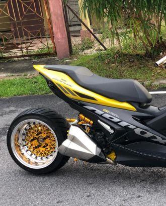 NVX 155 lột xác ngoạn mục với phong cách siêu mô tô của tay chơi Indonesia