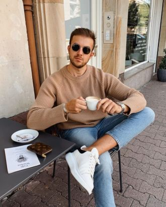 Nổi bần bật khắp phố chỉ với một item quần jeans và 6 tips phối đồ đơn giản
