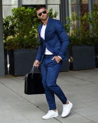 Cảm hứng lên đồ vừa chất lại vừa bảnh khi xuống phố với suit và áo thun cổ tròn