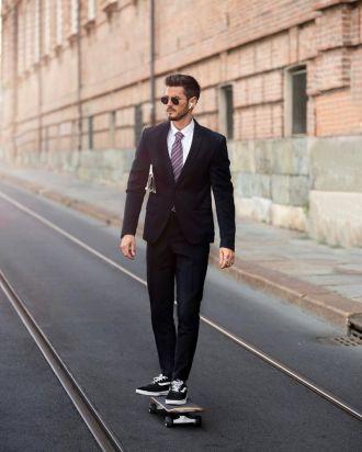 """7 cách phối giày vans old skool giúp chàng đến công sở """"đầy năng động"""""""